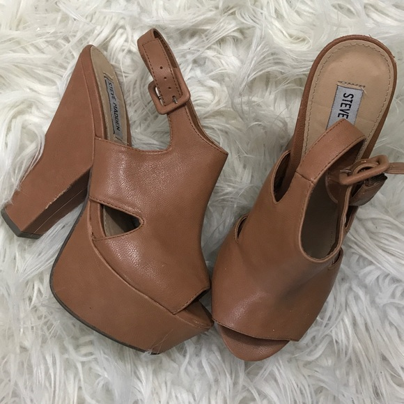 e45aaf388957 Steve Madden Shoes - Steve Madden gene cognac platform heels sz 9